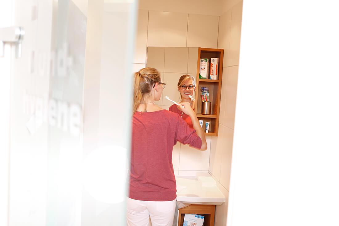 Zahnarzt Holzminden - Ronald Werner - MediZent - Praxis - Zähneputzen