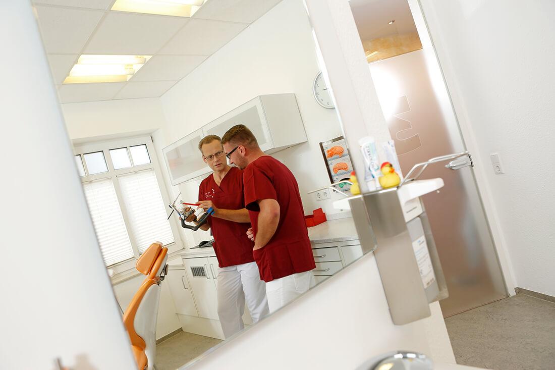 Zahnarzt Holzminden - Ronald Werner - MediZent - Leistungen - Zahnärzte